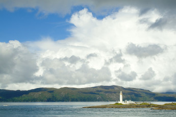 Tobermory SYHA : Landscape and Lighthouse Surrounding Tobermory Hostel, Scotland