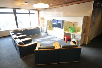 Tokyo - HI Tokyo Central YH : HI Tokyo Central YH TV room