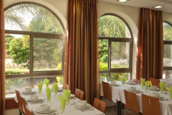 Karei Deshe : Dining room at Karei Deshe hostel Israel