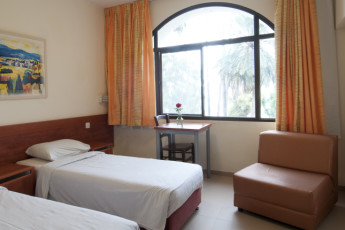 Karei Deshe : Twin room at Karei Deshe hostel Israel