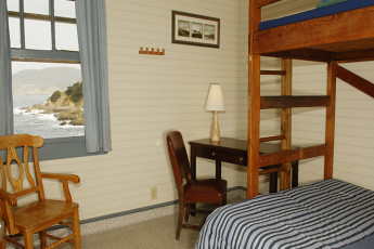 HI - Montara - Point Montara Lighthouse : Bunk beds in private room at HI - Montara - Point Montara Lighthouse