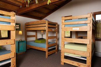 HI - Point Reyes Hostel - Point Reyes : Bunk beds in dorm room at HI - Point Reyes Hostel