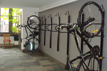 HI - Victoria : Bike storage at HI-Victoria