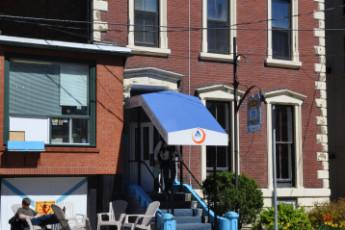 HI - Halifax : HI - Hostel zona común Halifax
