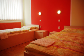 Youth Hostel Ruše :