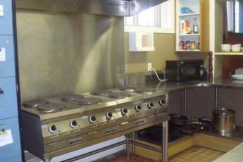 HI - Edmonton : HI-Edmonton Kitchen