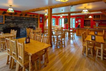 HI - Lake Louise Alpine Centre : a compartir habitación con dos literas en el albergue
