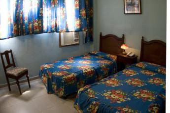 Santiago de Cuba - Hostel Libertad : Santiago de Cuba Hostel Libertad twin room