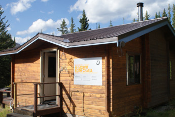 HI - Mt. Edith Cavell Wilderness Hostel : HI-Mount Edith Cavell Cabin