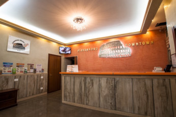 Roma - Downtown Hostel : Reception - Downtown Hostel Rome