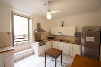 Roma - Downtown Hostel : Kitchen - Downtown Hostel Rome