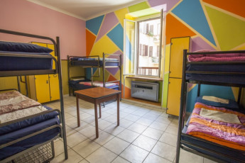 Roma - Downtown Hostel : Bed room - Downtown Hostel Rome