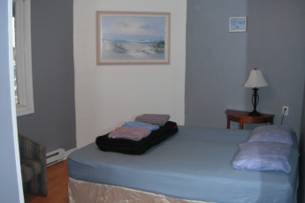 HI - St. John's City Hostel : Private Room with bath