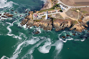 HI - Pescadero - Pigeon Point Lighthouse : HI Pigeon Point aerial
