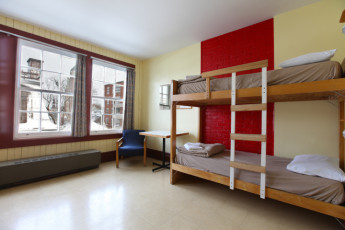 HI - Québec City : habitación familiar en Quebec City Hostel, Canadá