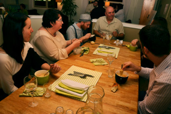 HI - Nanaimo - Painted Turtle Guesthouse : Dinner shared with new friends