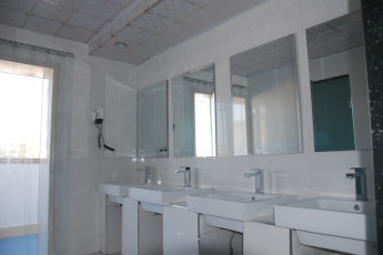Dunhuang Shazhouyi International YH : bathroom