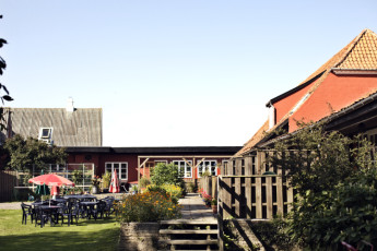 Danhostel Boderne : outside hostel