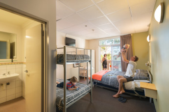 Adelaide - Central YHA :