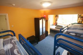 Lisdoonvarna - The Burren Hostel : dormitorio en el Lisdoonvarna - El Burren hostal en Irlanda