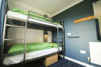 YHA Poppit Sands : Bedroom at YHA Poppit Sands