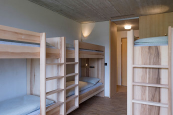 Gstaad Saanenland Youth Hostel :