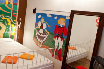 Budapest - Aventura Boutique Hostel : Art Apartment (4 bed private ensuite) bedroom