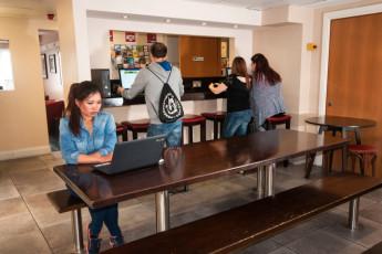 Galway - Sleepzone YHA : Dining area