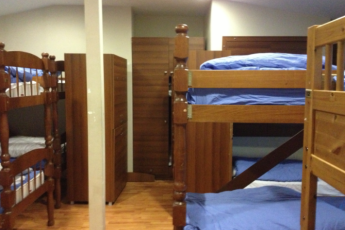 Istanbul - Chambers of the Boheme : 12 beds mixed dorm, 2 wc and 2 showers are inside the room
