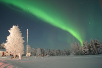 Raudanjoki - Hostel Visatupa : Northern lights at Hostel Visatupa in Lapland, Finland