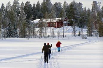 Raudanjoki - Hostel Visatupa : Skiing at Hostel Visatupa in Lapland, Finland