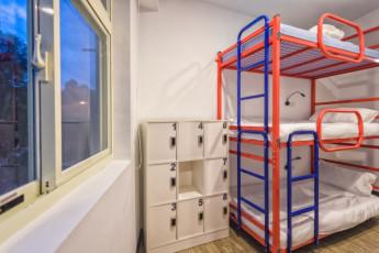 Meander Hostel :