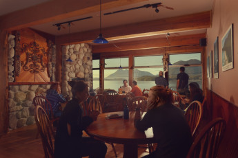 HI - Tofino - Whaler's on the Point Guesthouse : Hang out in our Great Room!