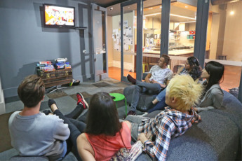 Melbourne - Central YHA : Melbourne Central YHA - TV Room