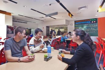 Melbourne - Metro YHA : Melbourne Metro YHA - Dining Room
