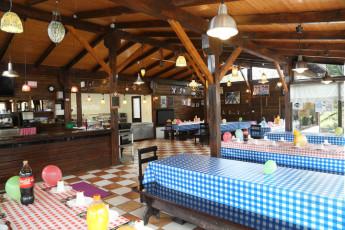 Albergue Paradiso : Dining room at Albergue Paradiso hostel