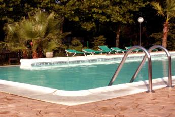 Albergue Paradiso : Pool at Albergue Paradiso hostel