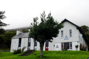 Ben Lettery Connemara Hostel : Ben Lettery Front Building