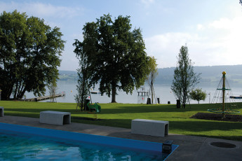 Beinwil am See Youth Hostel : Beinwil am See hostel Switzerland picnic