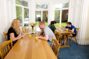 Glendalough International YHA : Breakfast room