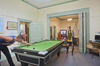 Port Fairy YHA : Pool Table