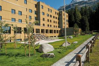St. Moritz Youth Hostel : aire de jeux pour les enfants à St. Moritz Bad auberge pendant la neige