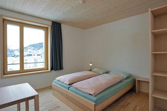 St. Moritz Youth Hostel : à manger à St. Moritz Bad auberge pendant la neige