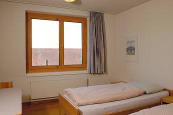 Zug Youth Hostel : train hostel in Switzerland dorm