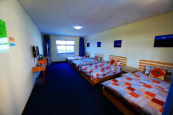 Due West Youth Hostel :