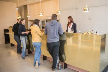 Kortrijk – Groeninghe : Groeninghe hostel kortrijk bar