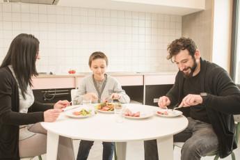 Kortrijk – Groeninghe : Groeninghe hostel kortrijk guest kitchen