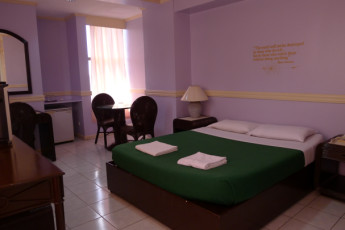 Cebu City - West Gorordo Hotel :