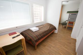 Turku - Hostel Linnasmäki : quadruple room