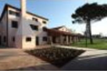 Mazzorbo - Y.H. Venissa : Outside image of hostel